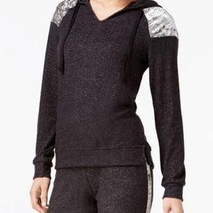 Hippie Rose Women's Color-blocked Hooded Sweater